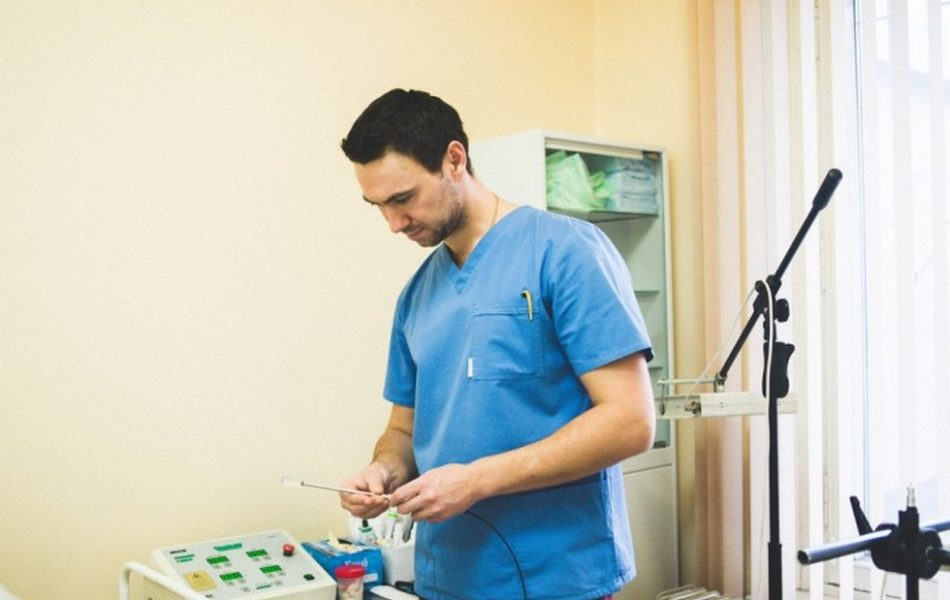 Врачи медицинского центра  Эдис Мед Ко